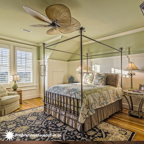Bedroom with shades of green